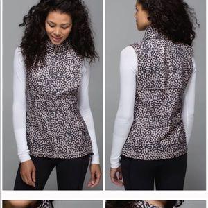 Lululemon Lightweight Pack It full zip vest in sof